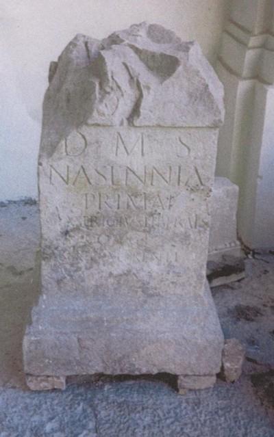 Supporto calcare rinvenuto nel 1955 a Capua (CE)