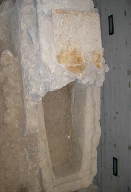 Tomba di S. Stefano Menecillo